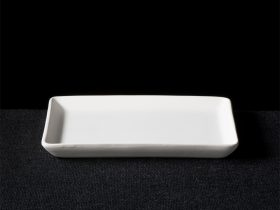Flat Lip Edged Rectangle Plate