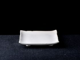 Square Plate On Small Feet Notched Edge